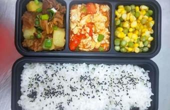 学生营养餐